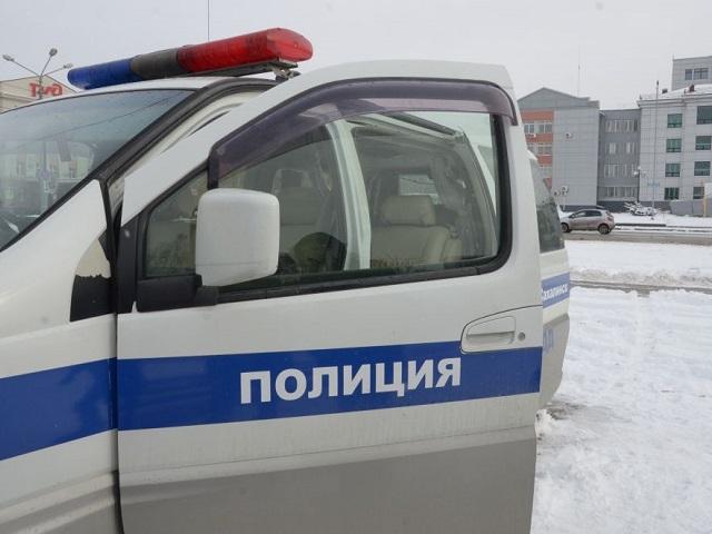 ВМиассе иностранная машина вылетела натротуар: пострадали дети