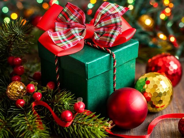 Народные избранники поздравили граждан сНовым годом иРождеством
