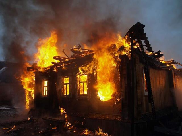 Заводчица собак сгорела, спасая питомцев