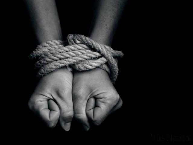 Две челябинки продали в сексуальное рабство 13-летнюю девочку