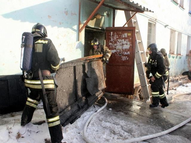 ВМеталлургическом районе Челябинска зажегся  склад сгорючим