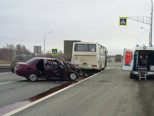 Два пассажира пострадали вДТП срейсовым автобусом вЧелябинской области
