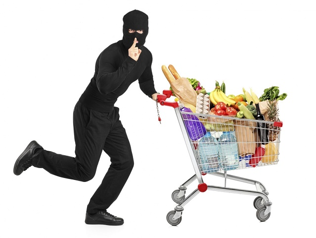 Южноуралец набрал корзину продуктов в супермаркете и сбежал, не оплатив товар