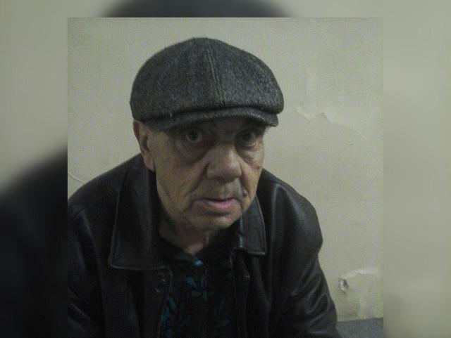 В Челябинской области ищут родных дедушки, которого бросил сын