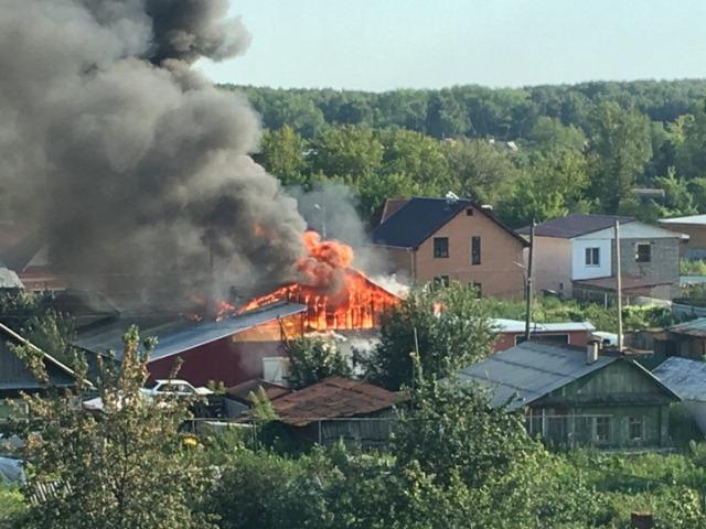 В Челябинской области из-за взрыва газового баллона сгорел дом
