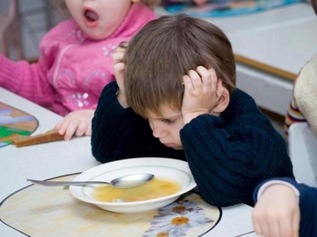 В южноуральском детском саду малышам не докладывали еду