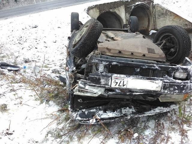 Коварный первый снег: в Челябинской области три человека пострадали в ДТП из-за снегопада