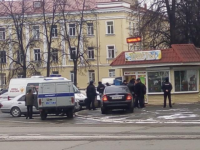 На глазах у ребенка: в Челябинской области мужчина застрелил бывшую жену в цветочном магазине
