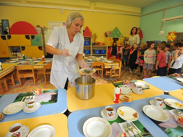 На Южном Урале в детских садах кормили просроченными продуктами