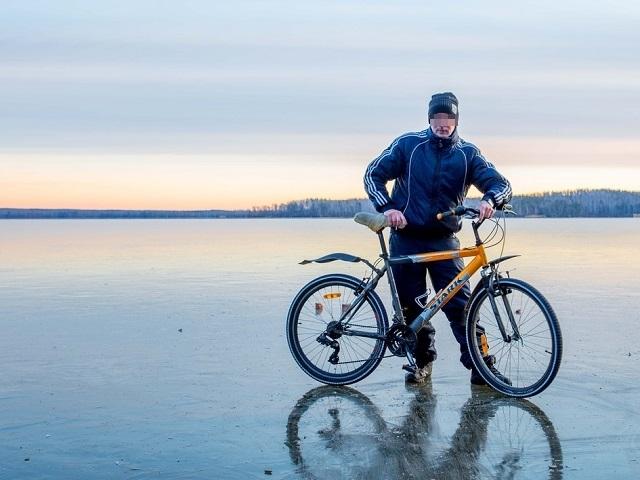 Ушёл с велосипедом: в Челябинской области четвёртые сутки ищут пропавшего мужчину