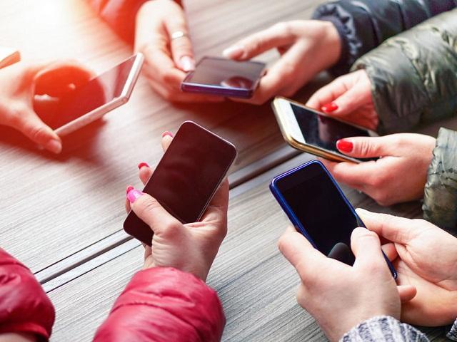 Жителей России ждет повышение цен на мобильную связь