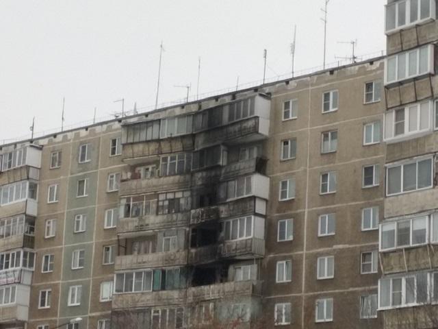 39 жильцов челябинской многоэтажки эвакуировались из-за ночного пожара