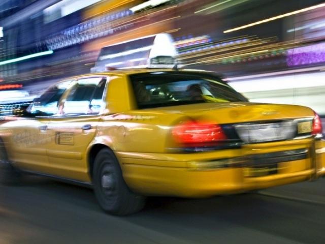 Южноуралец устроил ДТП на угнанном такси