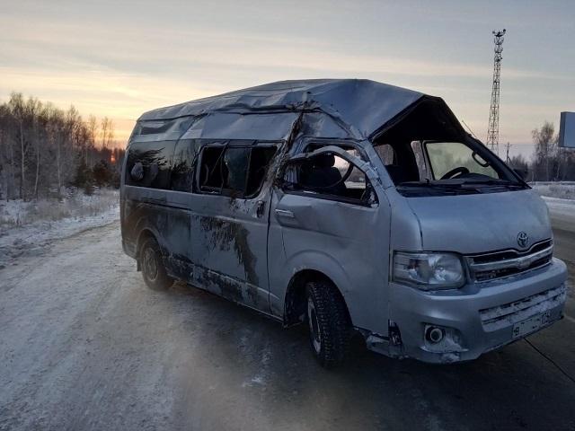 На Южном Урале автобус с девятью пассажирами улетел в кювет