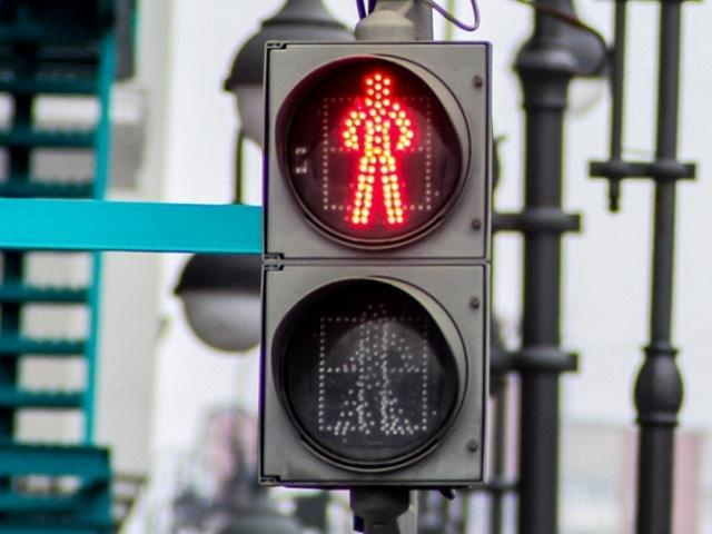 Светофоры на двух перекрестках в центре Миасса работают в новом режиме