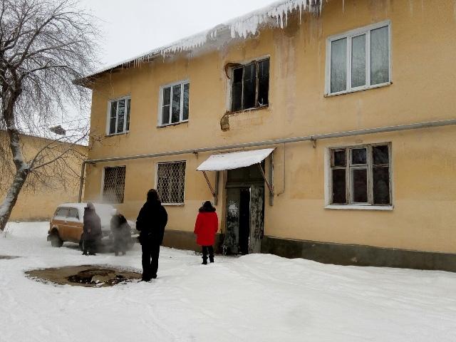 В Чебаркуле уже 8 лет дом рушится из-за порыва на теплотрассе