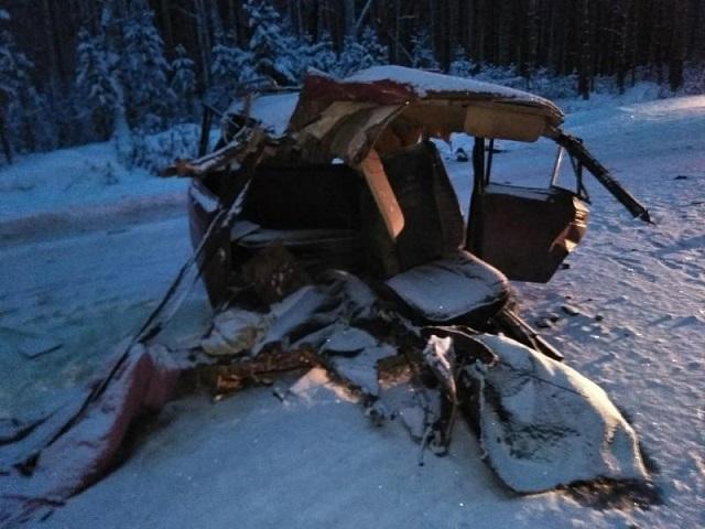 Мужчина и женщина погибли в страшном лобовом ДТП в Челябинской области