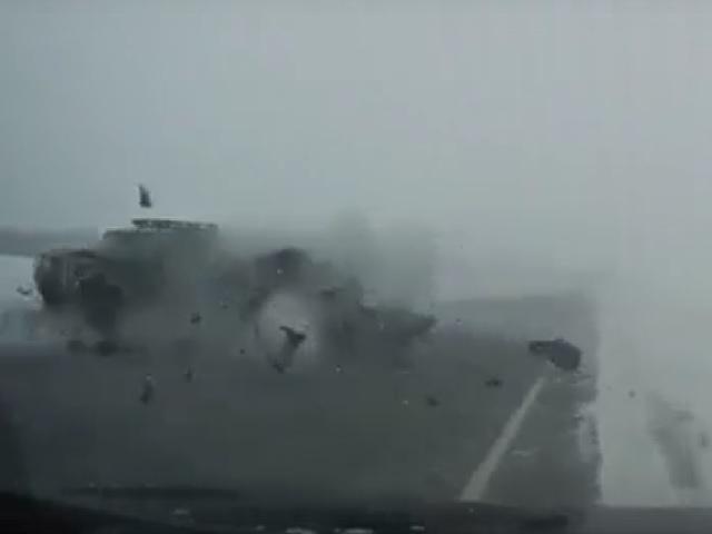 Момент лобового ДТП с двумя погибшими на южноуральской трассе попал на видео
