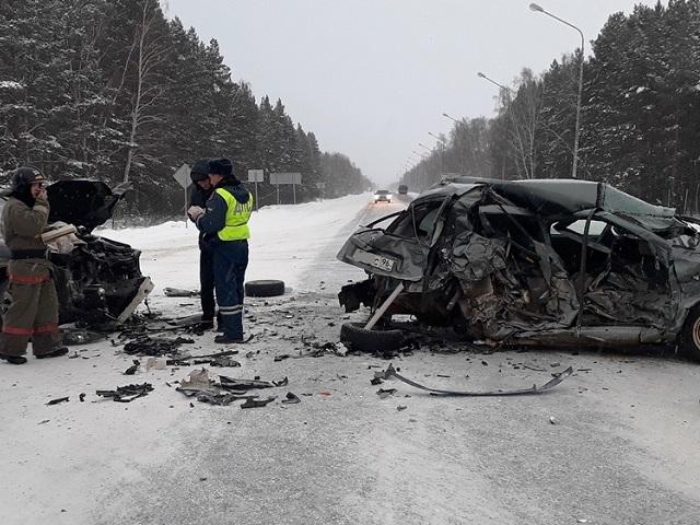 В Челябинской области водитель легковушки выжил после тяжелого ДТП