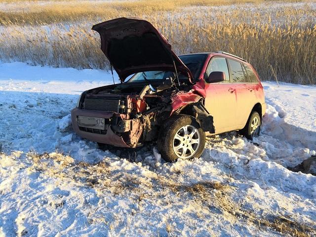 Пассажирка кроссовера пострадала в ДТП в Челябинской области