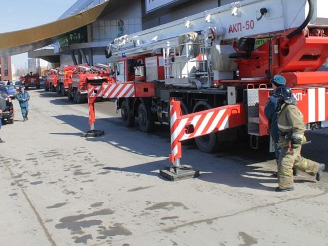 В Миассе из крупного ТРК эвакуировали всех посетителей и персонал