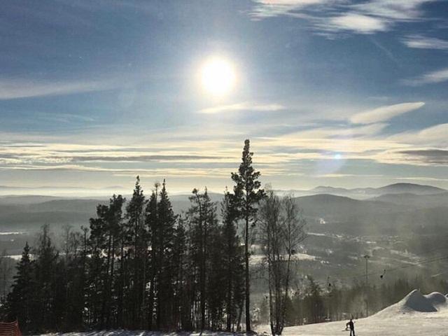 Почему лучше всего «катать» в марте: руководство для райдеров и любителей горнолыжного отдыха