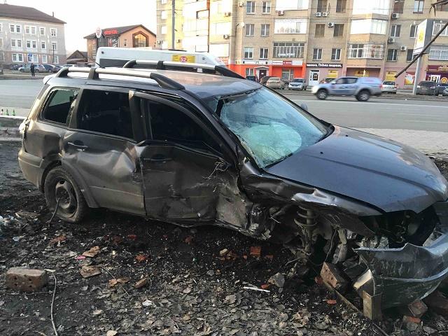 Две иномарки столкнулись в Челябинской области