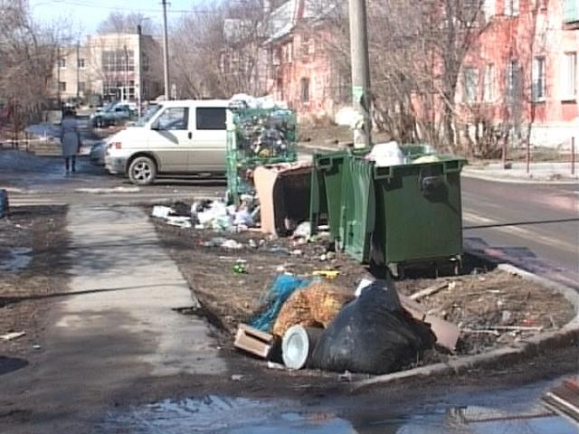 «Завален мусором». Чебаркульцы недовольны новым регоператором, ответственным за вывоз бытовых отходов
