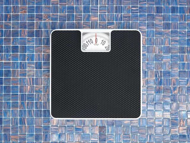 Откуда килограммы? 9 неочевидных причин лишнего веса