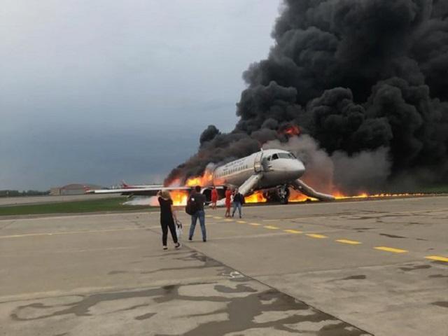 41 пассажир погиб в результате авиакатастрофы в Шереметьево