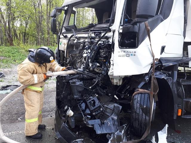 В массовой аварии под Ашой пострадал водитель большегруза
