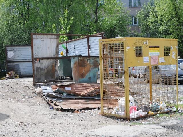 В миасских дворах упорядочивают контейнерные площадки
