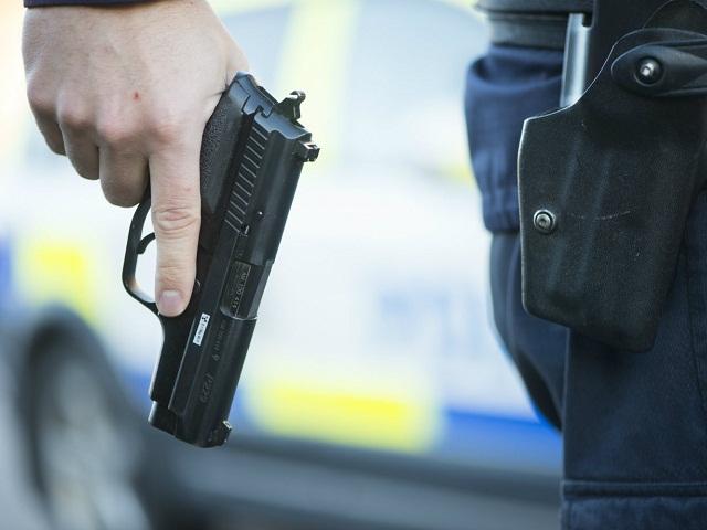 Полицейский застрелил южноуральца, подозреваемого в убийстве матери