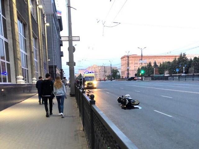 На Южном Урале автомобилистка сбила байкера и скрылась