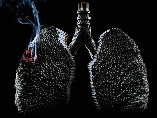 Медики рассказали, чем грозит курение после 45 лет