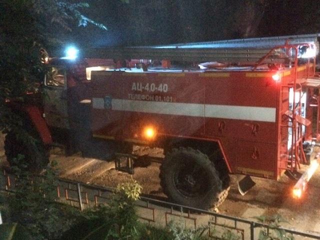 Ночью в Миассе выгорела припаркованная во дворе иномарка