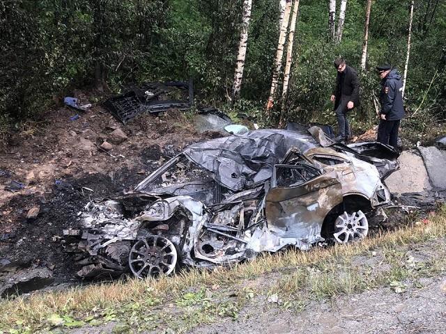 Водитель легковушки погиб в страшном лобовом ДТП с грузовиком на М-5 под Миассом