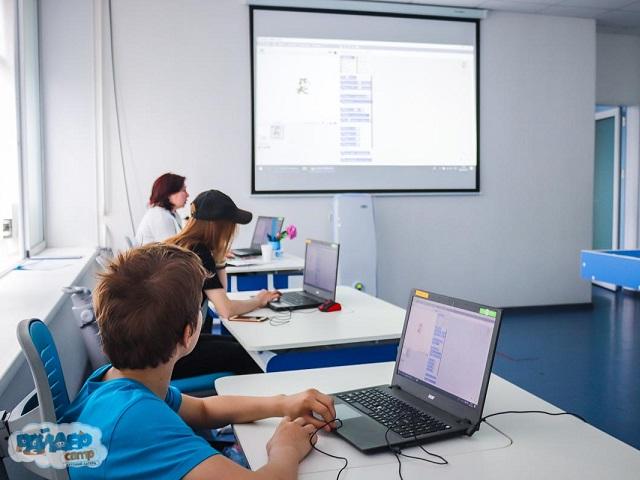 В Миассе продолжается набор детей по обучению программированию