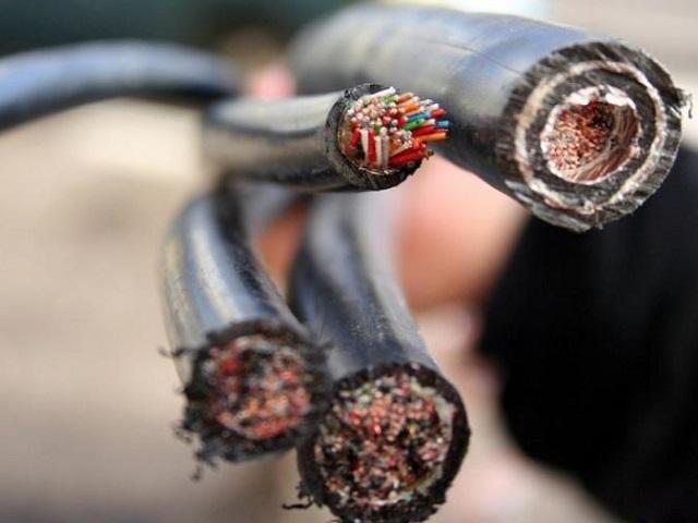 Миасец пойдёт под суд за кражу кабеля и канализационного люка