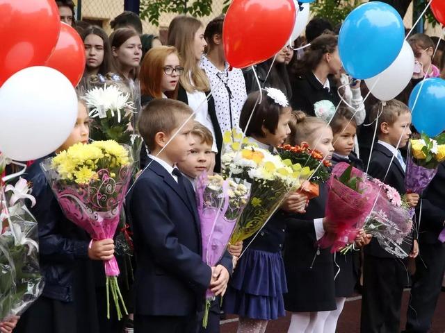 Учебный год в большинстве миасских школ начнется в воскресенье