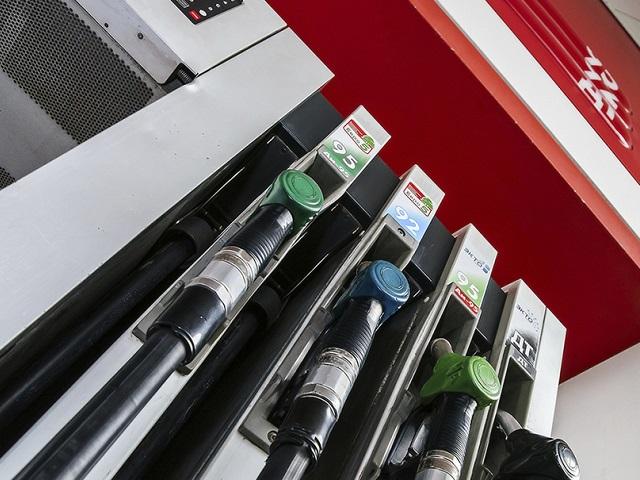 На каждой пятой российской заправке недоливают топливо