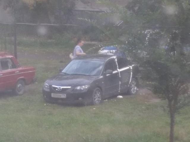 Недоброе утро: в Миассе неизвестные изуродовали автомобиль монтажной пеной