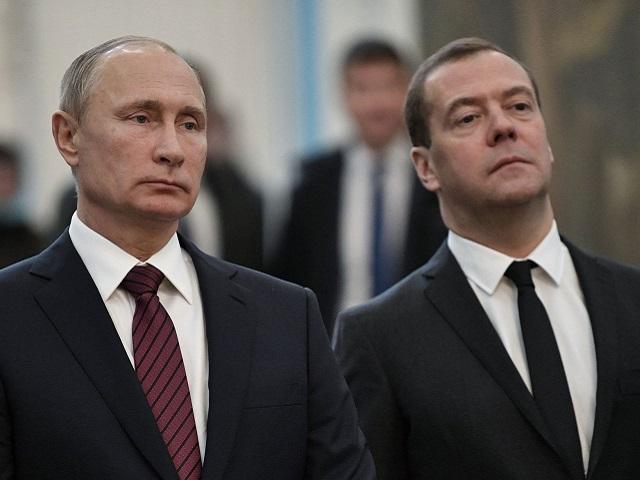 В Кремле объяснили рост зарплат Путина и Медведева