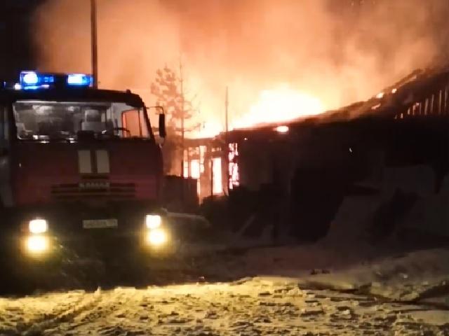 Мужчина и женщина погибли на пожаре в Челябинской области