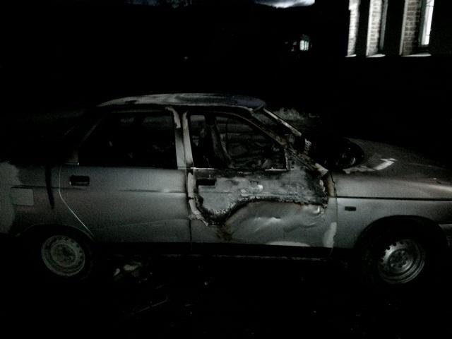 В Миассе неизвестные подожгли припаркованный автомобиль