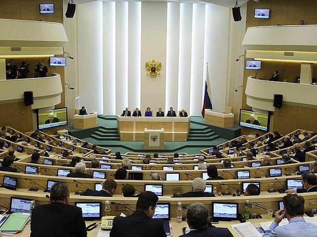 В Совфеде одобрили закон о сокращённом рабочем дне для женщин в сёлах