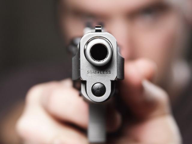 Челябинец застрелил отца друга за 2000 долларов