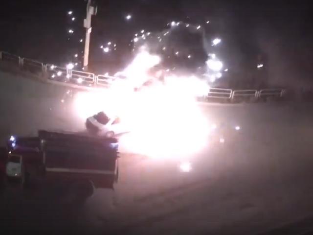 В Челябинской области Mercedes протаранил два десятка машин и загорелся  на ходу