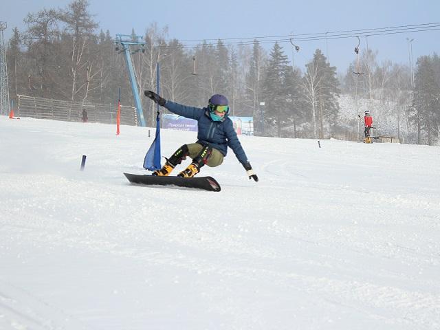 Юниорская сборная России по сноуборду проводит тренировочный сбор в «Солнечной долине»