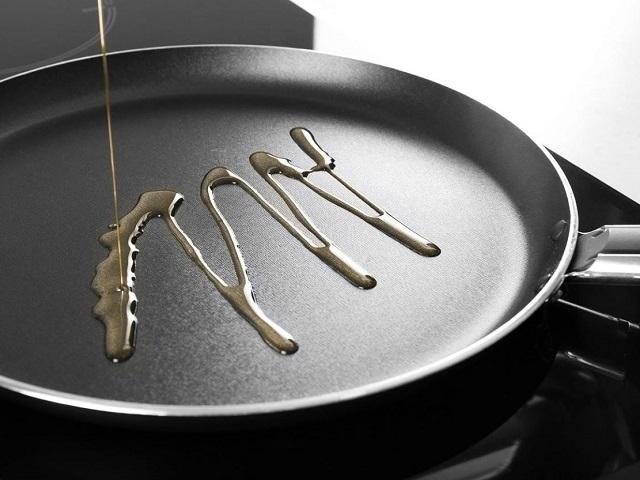 Врачи назвали самое безопасное растительное масло для жарки